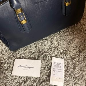 Salvatore FERRAGAMO Emmy bag additional pics